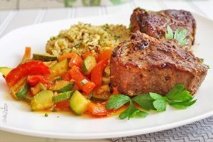 Australian Lamb Loin Chops with Quinoa and Veggies‏
