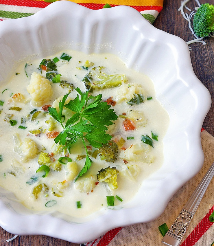 Healthy Cauliflower and Broccoli Soup