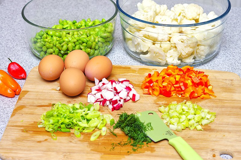 Cauliflower-Edamame-Salad-prep