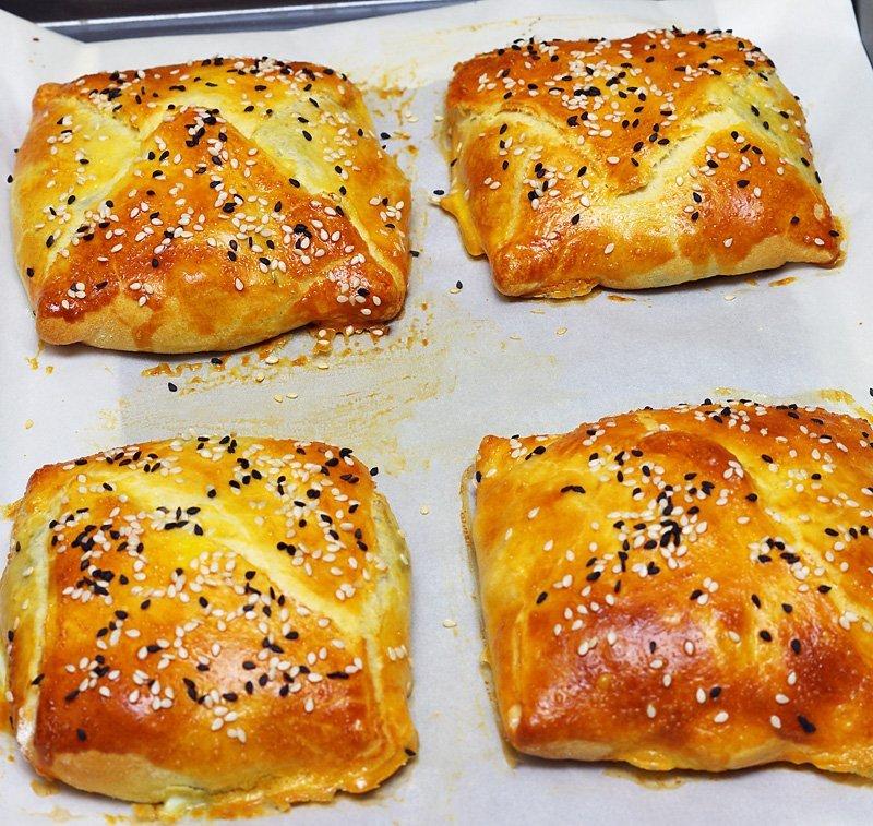 Chicken-Spinach-Puffs-baked
