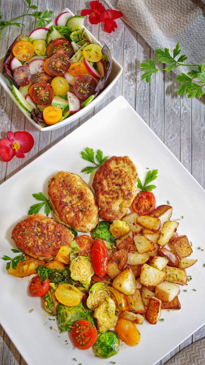 Chicken patties (Kotletki) with Sauteed Vegetables and Homefries