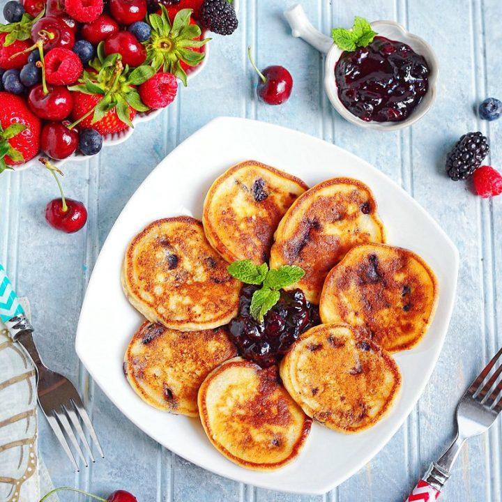 berry-pancakes-sirniki-oladushki-Pinterest