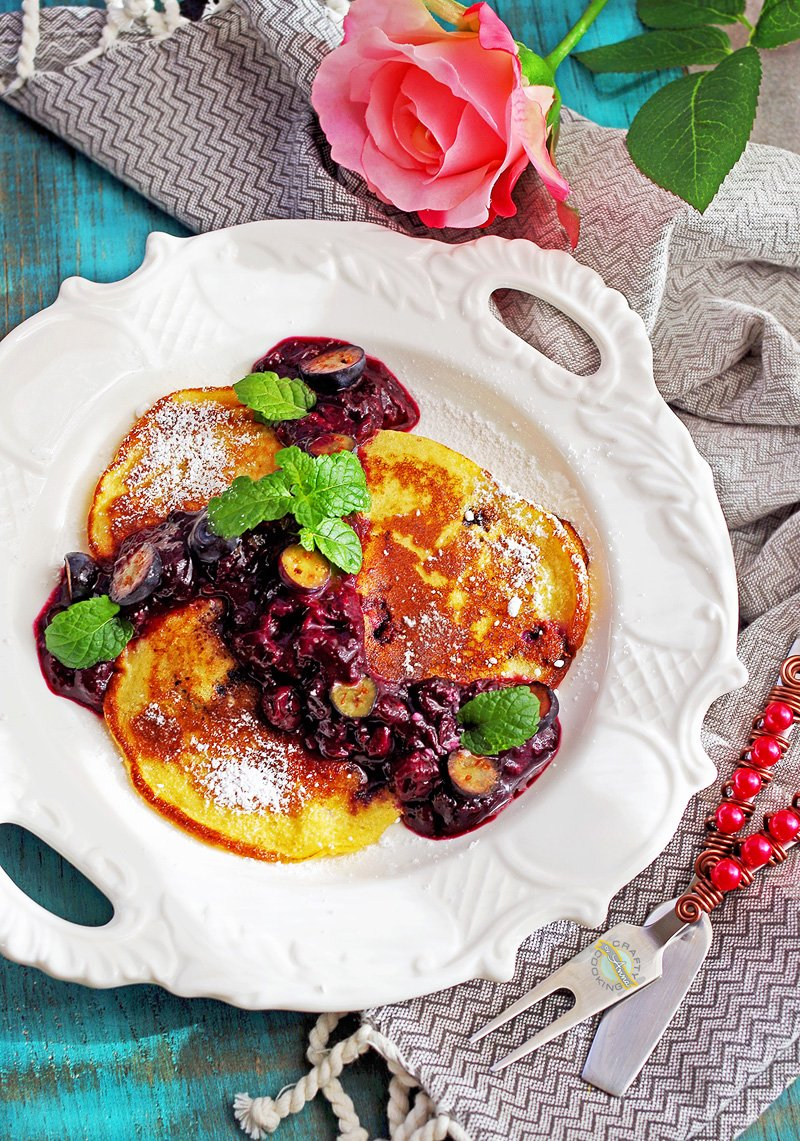 Russian Berry Farmer Cheese Pancakes, Творожные оладушки