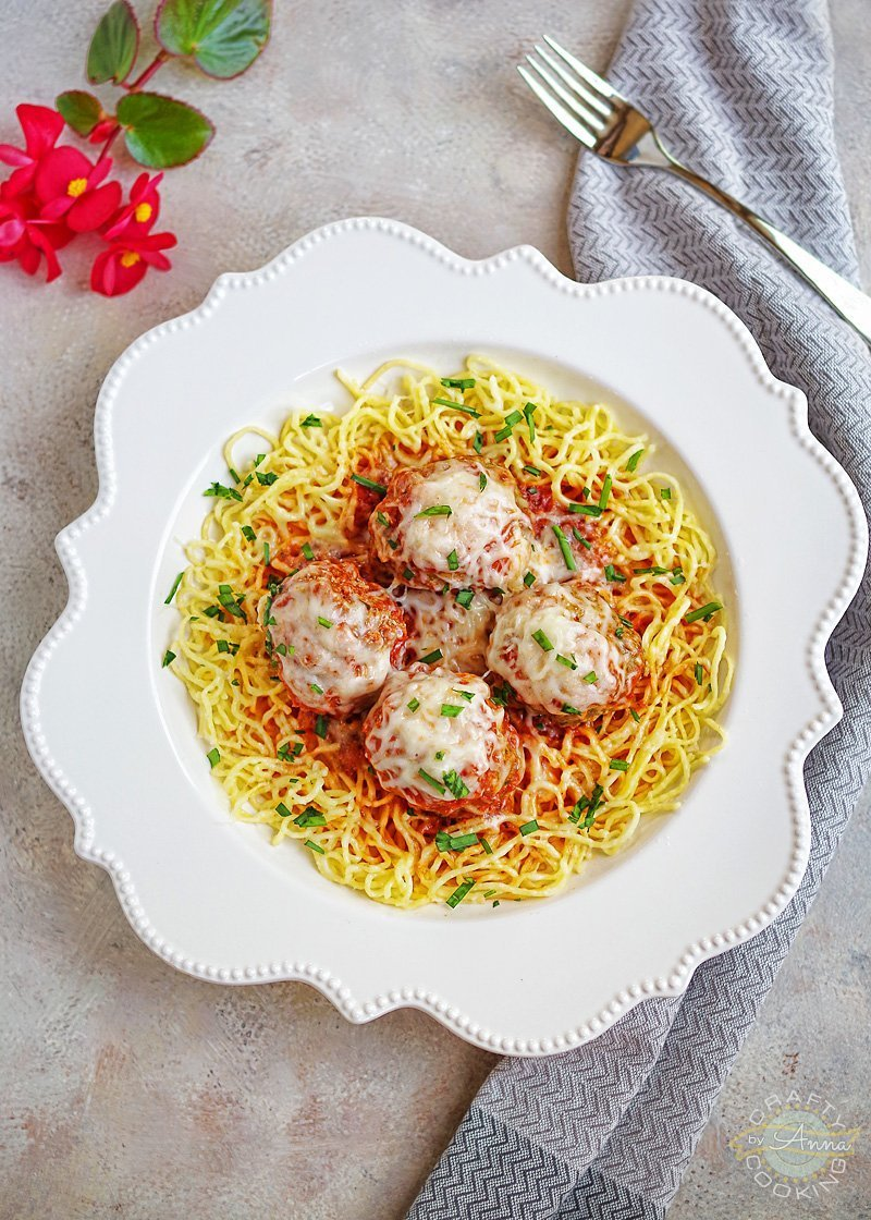 You will love these Classic Italian-American style meatballs and pasta dinner! It's super easy to make at home and takes almost no time. They are juicy, soft and full of flavor! Bon appétit! FULL RECIPE: https://www.craftycookingbyanna.com/baked-italian-meatballs/ #italian #meatballs #meatballspasta #easydinner #italiandinner #cooking #recipes #craftycookingbyanna