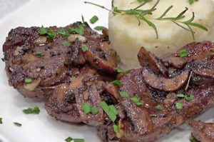 VIDEO RECIPE > Australian Lamb Leg Roast Steaks