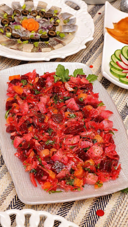 Russian Vinaigrette Salad (Vinegret, Винегрет)