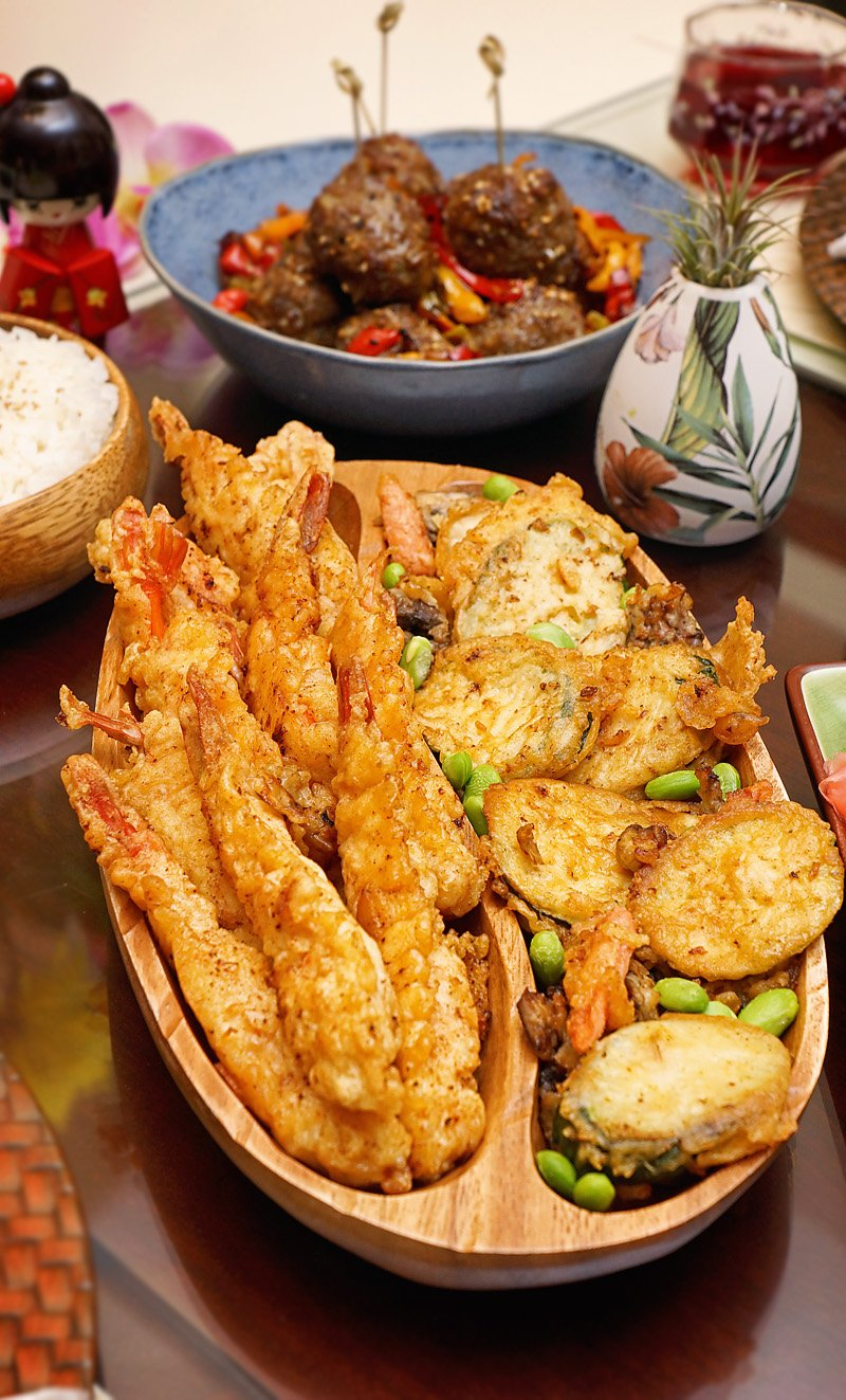 Shrimp Tempura and veggies served. How to make Crispy and Delicious Shrimp Tempura at home. #shrimptempura #shrimp #tempura #batter #japanese #asian #recipes #craftycookingbyanna