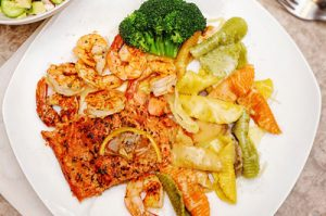 broiled-salmon-shrimp-pasta-thumb
