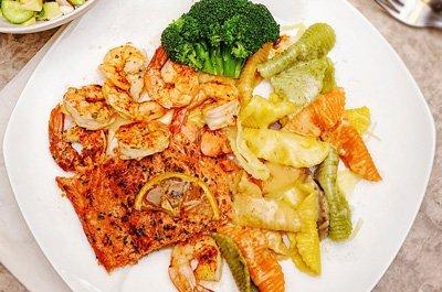 broiled-salmon-shrimp-pasta-thumb
