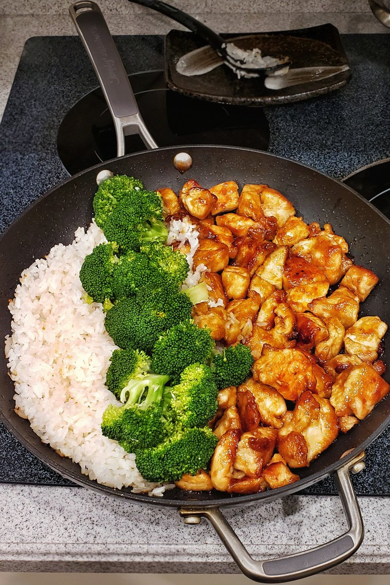 Easy Teriyaki Chicken with white rice and steamed broccoli