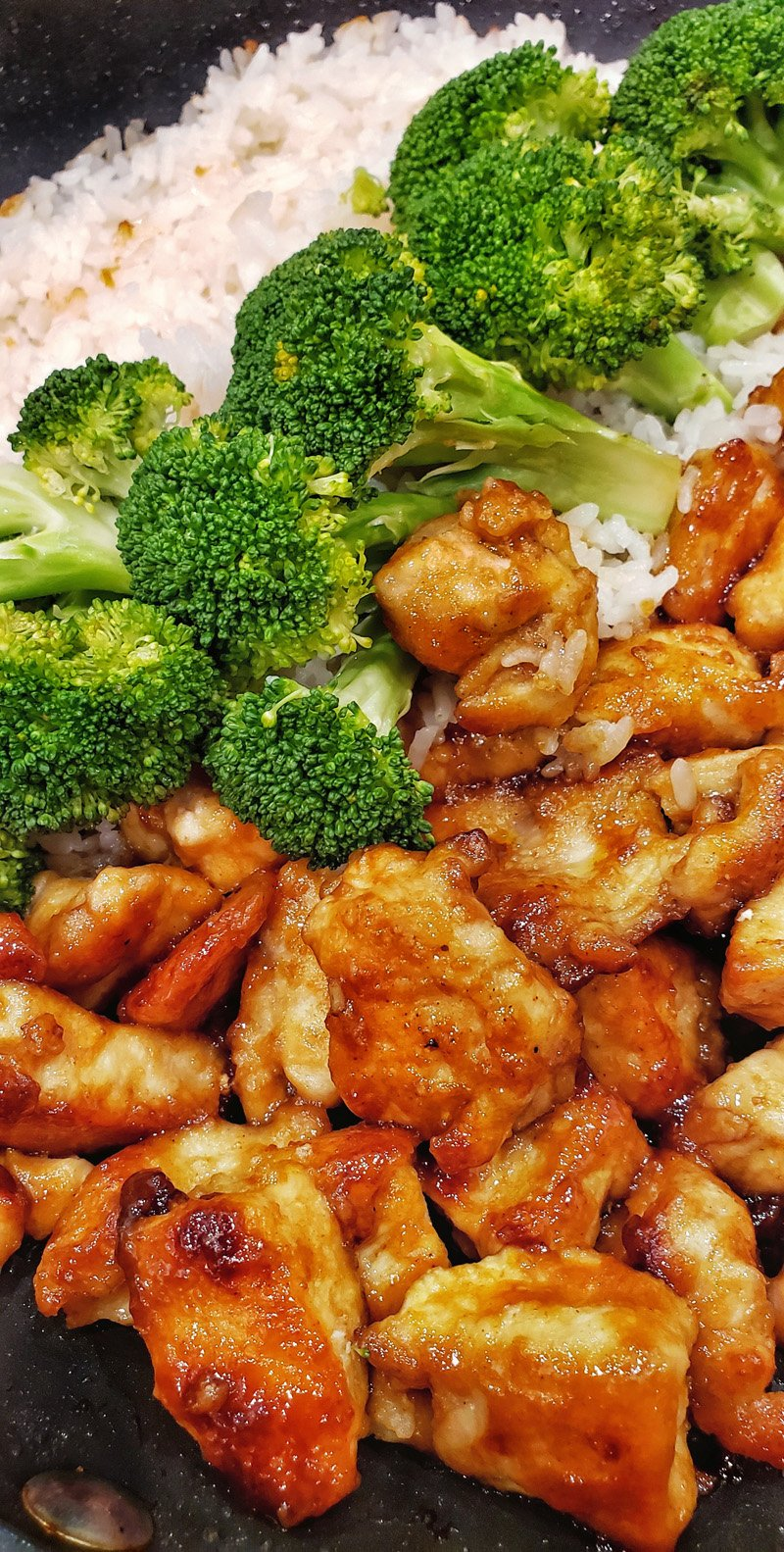 Easy Teriyaki Chicken with white rice and steamed broccoli closeup