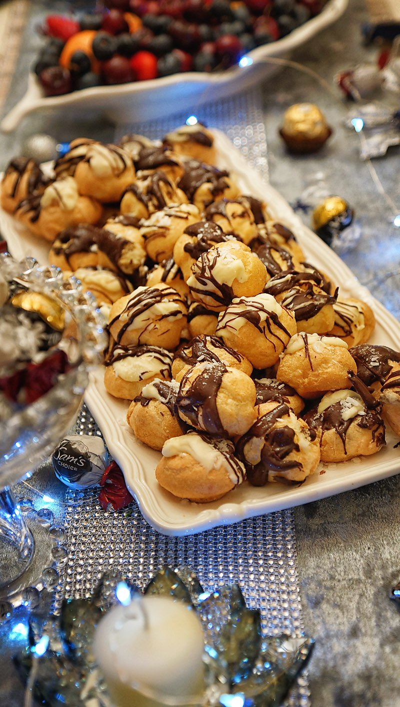 Delizza Patisserie Belgian Mini Cream Puffs with chocolate