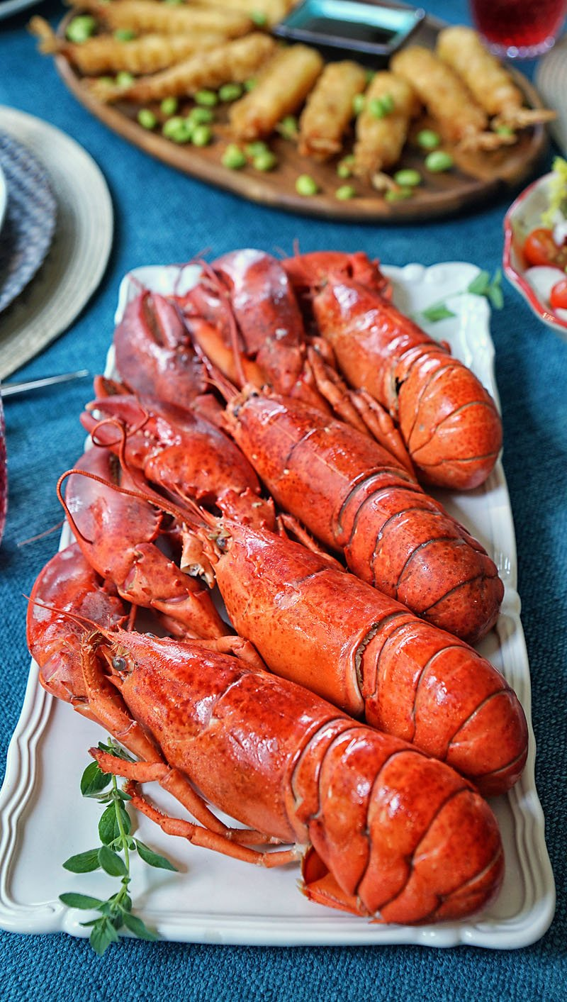 cooked lobsters from Walmart